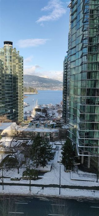 "Photo 17: 806 1331 ALBERNI Street in Vancouver: West End VW Condo for sale in ""THE LIONS"" (Vancouver West)  : MLS®# R2434955"