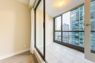 "Photo 13: 806 1331 ALBERNI Street in Vancouver: West End VW Condo for sale in ""THE LIONS"" (Vancouver West)  : MLS®# R2434955"