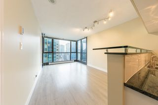 "Photo 9: 806 1331 ALBERNI Street in Vancouver: West End VW Condo for sale in ""THE LIONS"" (Vancouver West)  : MLS®# R2434955"