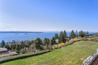 """Photo 19: 37 2242 FOLKESTONE Way in West Vancouver: Panorama Village Townhouse for sale in """"Panorama Gradens"""" : MLS®# R2448018"""