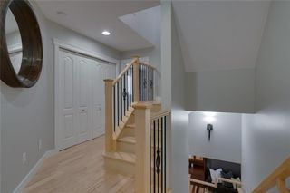 Photo 19: #2 424 9 AV NE in Calgary: Renfrew House for sale : MLS®# C4293883