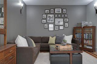 Photo 3: #2 424 9 AV NE in Calgary: Renfrew House for sale : MLS®# C4293883