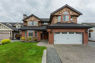 Photo 2: 4526 220 Street in Langley: Murrayville House for sale : MLS®# R2456813