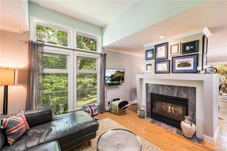 Photo 7: 2 3955 Oakwinds St in Saanich: SE Cedar Hill Row/Townhouse for sale (Saanich East)  : MLS®# 839644