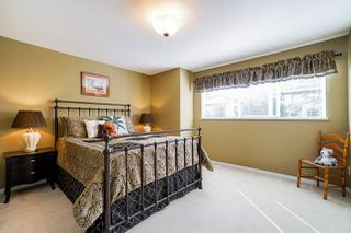"""Photo 30: 39 15188 62A Avenue in Surrey: Sullivan Station Townhouse for sale in """"Gillis Walk"""" : MLS®# R2503330"""