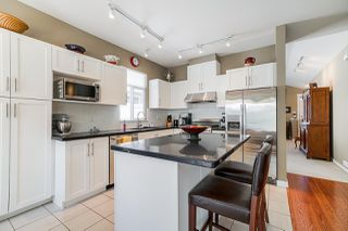 """Photo 5: 39 15188 62A Avenue in Surrey: Sullivan Station Townhouse for sale in """"Gillis Walk"""" : MLS®# R2503330"""