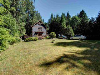 Photo 3: 3164 BEACH Avenue: Roberts Creek House for sale (Sunshine Coast)  : MLS®# R2509366