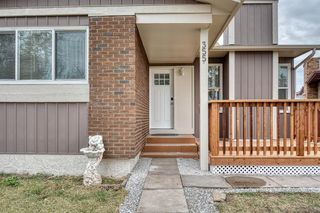 Photo 2: 355 Whitman Place NE in Calgary: Whitehorn Detached for sale : MLS®# A1046651