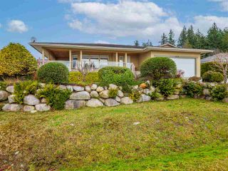"Photo 32: 5138 RIDGEVIEW Drive in Sechelt: Sechelt District House for sale in ""Davis Bay"" (Sunshine Coast)  : MLS®# R2527271"