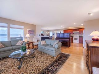 "Photo 4: 5138 RIDGEVIEW Drive in Sechelt: Sechelt District House for sale in ""Davis Bay"" (Sunshine Coast)  : MLS®# R2527271"