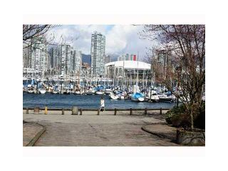 "Photo 2: 813 SAWCUT in Vancouver: False Creek Townhouse for sale in ""HEATHER POINT"" (Vancouver West)  : MLS®# V874888"