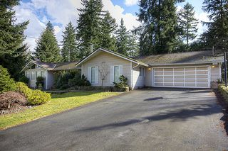 Photo 1: 15656 MOUNTAIN VIEW Drive in Surrey: Grandview Surrey House for sale (South Surrey White Rock)  : MLS®# F1107097