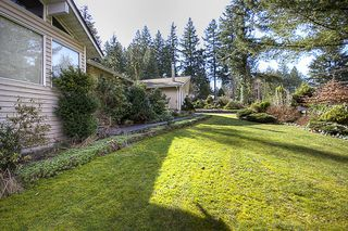 Photo 2: 15656 MOUNTAIN VIEW Drive in Surrey: Grandview Surrey House for sale (South Surrey White Rock)  : MLS®# F1107097