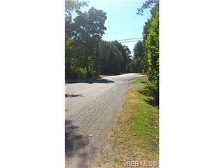 Photo 5: 12 2741 Stautw Rd in SAANICHTON: CS Hawthorne Manufactured Home for sale (Central Saanich)  : MLS®# 658840