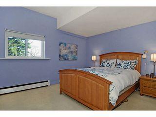 "Photo 11: 435 E 23RD Avenue in Vancouver: Fraser VE House for sale in ""MAIN STREET CORRIDOR"" (Vancouver East)  : MLS®# V1043103"
