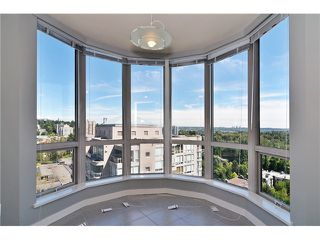 "Photo 4: 1702 9603 MANCHESTER Drive in Burnaby: Cariboo Condo for sale in ""STRATHMORE TOWERS"" (Burnaby North)  : MLS®# V1072426"