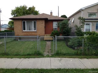 Photo 1: 23 Gallagher Avenue in WINNIPEG: Brooklands / Weston Residential for sale (West Winnipeg)  : MLS®# 1506359