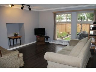 "Photo 2: 133 27456 32 Avenue in Langley: Aldergrove Langley Townhouse for sale in ""Cedar Park"" : MLS®# F1437830"
