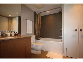 "Photo 8: 1104 135 E 17TH Street in North Vancouver: Central Lonsdale Condo for sale in ""Local on Lonsdale"" : MLS®# V1137022"