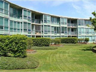 "Photo 2: 521 6028 WILLINGDON Avenue in Burnaby: Metrotown Condo for sale in ""The Crystal"" (Burnaby South)  : MLS®# R2022649"