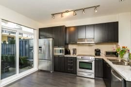 "Photo 6: 44 1338 HAMES Crescent in Coquitlam: Burke Mountain Townhouse for sale in ""FARRINGTON PARK"" : MLS®# R2048770"