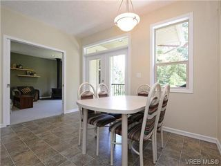 Photo 3: 636 Gowlland Rd in VICTORIA: Hi Western Highlands Single Family Detached for sale (Highlands)  : MLS®# 731685