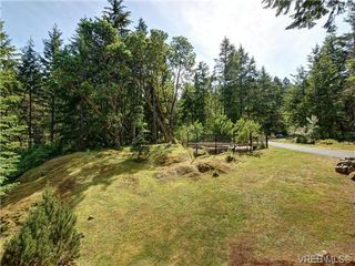 Photo 16: 636 Gowlland Rd in VICTORIA: Hi Western Highlands Single Family Detached for sale (Highlands)  : MLS®# 731685