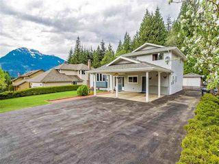 """Photo 1: 1007 PIA Road in Squamish: Garibaldi Highlands House for sale in """"Garibaldi Highlands"""" : MLS®# R2139286"""