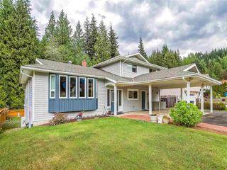 """Photo 2: 1007 PIA Road in Squamish: Garibaldi Highlands House for sale in """"Garibaldi Highlands"""" : MLS®# R2139286"""