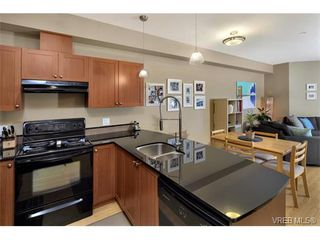 Photo 8: 204 821 Goldstream Ave in VICTORIA: La Langford Proper Condo for sale (Langford)  : MLS®# 751757