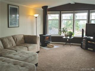 Photo 1: B35 920 Whittaker Rd in MALAHAT: ML Mill Bay Manufactured Home for sale (Malahat & Area)  : MLS®# 752139