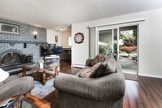 Photo 3: 2924 ROSEGLEN Court in Burnaby: Montecito House for sale (Burnaby North)  : MLS®# R2179852
