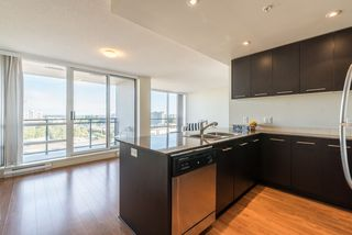 Photo 5: 1606 3111 CORVETTE Way in Richmond: West Cambie Condo for sale : MLS®# R2197792