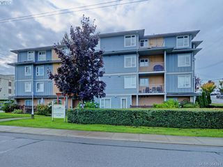 Photo 1: 303 885 Ellery St in VICTORIA: Es Old Esquimalt Condo for sale (Esquimalt)  : MLS®# 772293