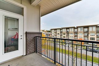 Photo 16: 402 13555 GATEWAY Drive in Surrey: Whalley Condo for sale (North Surrey)  : MLS®# R2222591
