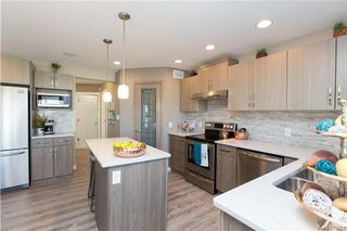 Photo 7: 2 JOYNSON Crescent in Winnipeg: Charleswood Residential for sale (1H)  : MLS®# 1802105