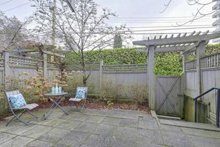 "Photo 11: 5372 LARCH Street in Vancouver: Kerrisdale Townhouse for sale in ""LARCHWOOD"" (Vancouver West)  : MLS®# R2239584"