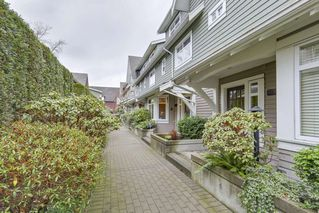 "Photo 2: 5372 LARCH Street in Vancouver: Kerrisdale Townhouse for sale in ""LARCHWOOD"" (Vancouver West)  : MLS®# R2239584"
