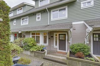 "Photo 3: 5372 LARCH Street in Vancouver: Kerrisdale Townhouse for sale in ""LARCHWOOD"" (Vancouver West)  : MLS®# R2239584"