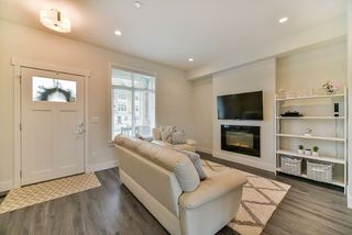 Photo 5: 20436 84 AVENUE in Langley: Willoughby Heights Condo for sale : MLS®# R2238079