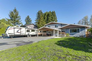 Photo 2: 19781 N WILDWOOD Crescent in Pitt Meadows: South Meadows House for sale : MLS®# R2260791