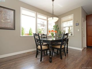 Photo 10: 4959 Haliburton Terr in VICTORIA: SE Cordova Bay Single Family Detached for sale (Saanich East)  : MLS®# 786451