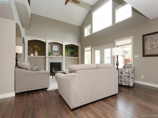 Photo 4: 4959 Haliburton Terr in VICTORIA: SE Cordova Bay Single Family Detached for sale (Saanich East)  : MLS®# 786451