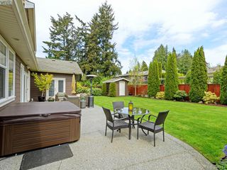 Photo 17: 4959 Haliburton Terr in VICTORIA: SE Cordova Bay Single Family Detached for sale (Saanich East)  : MLS®# 786451