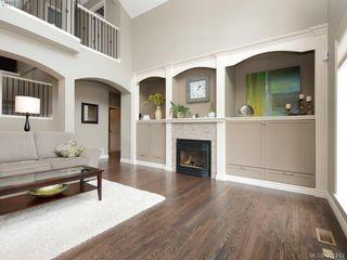 Photo 2: 4959 Haliburton Terr in VICTORIA: SE Cordova Bay House for sale (Saanich East)  : MLS®# 786451