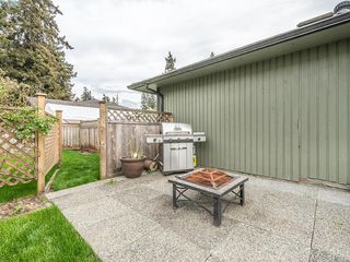 Photo 17: 718 Donovan Ave in VICTORIA: Co Hatley Park Single Family Detached for sale (Colwood)  : MLS®# 786477