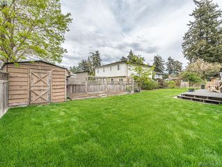 Photo 4: 718 Donovan Ave in VICTORIA: Co Hatley Park Single Family Detached for sale (Colwood)  : MLS®# 786477