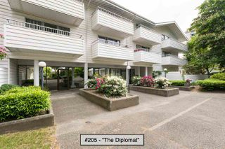 "Photo 3: 205 707 EIGHTH Street in New Westminster: Uptown NW Condo for sale in ""The Diplomat"" : MLS®# R2273026"