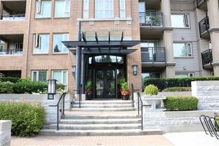 """Photo 1: 213 3105 LINCOLN Avenue in Coquitlam: New Horizons Condo for sale in """"LARKIN HOUSE EAST"""" : MLS®# R2282884"""