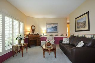Photo 2: 12147 231 Street in Maple Ridge: East Central House for sale : MLS®# R2304468